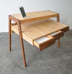 Negative 5 Desk W/3 Drawers & iPad Dock 1114,64€