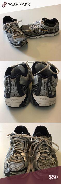 Men's Brooks Running Shoes Addiction 10, Size 9.5 Men's Brooks Running Shoes, Addiction 10, Size 9.5 Brooks Shoes Athletic Shoes