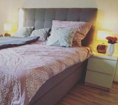 schlafzimmer bedroom rosa grau ikea schlaraffia boxspringbett schlafzimmer pinterest. Black Bedroom Furniture Sets. Home Design Ideas