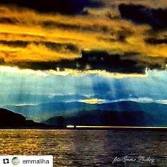 Himmelen åpner seg. #reiseblogger #reisetips #reiseliv  #Repost @emmaliha with @repostapp  Before the rain.. ------------'---------------------'------------ #Finnmark #northnorway#ig_northernnorway #ig_nordnorge #dreamchasersworld #dreamynorway #insta_sky_reflection #instalife_shot