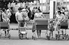 Back In The Ussr, Vintage Pram, Baby Buggy, Baby Prams, Baby Carriage, Soviet Union, Vintage Children, Childhood Memories, Vintage Photos