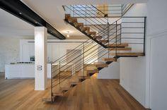 קו נבון: מדרגות מתכת - ברזל - מדרגות ציר מרכזי