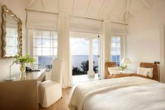 Sunrise house,on the caribbean coast5 bedrooms, 10 guests, theater, gym tennis court, right on the beach...um, Yah!