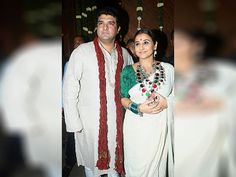 Vidya Balan with her husband Siddharth Roy Kapur arrives to attend Amitabh Bachchan's Diwali party