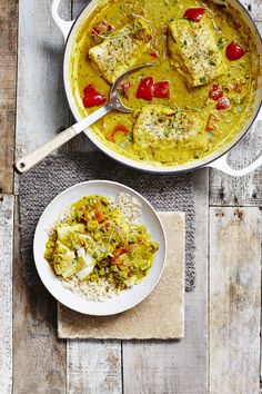 Try our Caribbean fish curry recipe. This fish curry recipe is an easy fish curry with coconut milk. Make this spicy fish curry with Caribbean curry powder Best Fish Curry Recipe, Healthy Curry Recipe, Healthy Fish Recipes, Eat Healthy, Healthy Meals, Carribean Food, Caribbean Recipes, Healthy Caribbean Food, Seafood Recipes