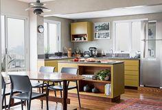 De cozinha integrada com um cores suaves para nosso sábado Projeto Alexandre Zanini