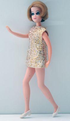 Topper Dawn Doll - 11C Dancing Jessica Rare Gold Brocade Mini