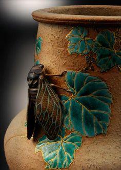 ≗ The Bee's Reverie ≗ KOUZAN MIYAGAWA , MAKUZU ware