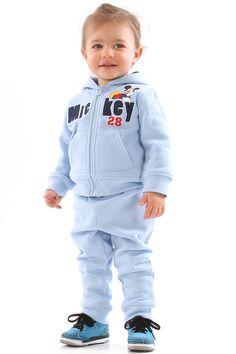 A l'aise dans ses baskets, peu importe lesquelles, tant qu'on porte cet ensemble #Mickey ! Bébé pourra profiter de sa journée : courir, marcher, ramper, sauter et faire tout pleins de bêtise dans cette tenue #MickeyMouse ! A trouver sur www.tous-les-heros.com #mode #enfants #modeenfant #touslesheros #lamodeàpetitprix #modebébé #bebe #disney