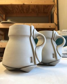 New shapes for a new place – Ceramic Art, Ceramic Pottery Hand Built Pottery, Slab Pottery, Ceramic Pottery, Ceramic Boxes, Ceramic Cups, Ceramic Art, Ceramics Pottery Mugs, Pottery Handbuilding, Clay Mugs