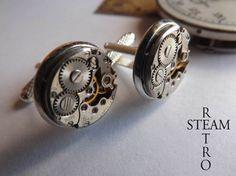 Elegante y discreto en su diseño, estos gemelos unisex ofrecen una muestra de Steampunk sin cristales  Hecho de mecanismos de relojería rusa. Al 16