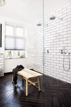 Black and white bathroom tiles. Dark grouted subway tiles and herringbone floor Interior, Home, Kitchen Tiles Design, House Interior, Bathroom Interior, Herringbone Floor, White Bathroom, Interior Design, Herringbone Tile Floors