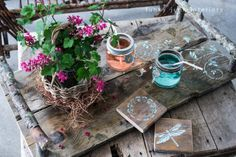 pallet and reclaimed wood projects - Funky Junk's complete collection plus a link party - branch wood tray