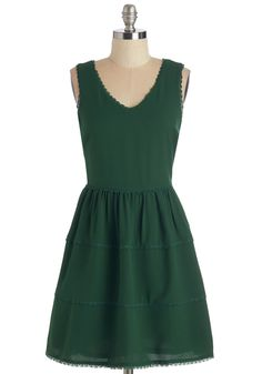 Need We Say Sycamore? Dress in Forest. On a sunny day like today, nothing sounds better than a picnic in the shade while wearing this dark-green dress. #green #modcloth