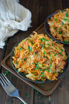 Succulent cabbage sauteed with tender chicken and vegetables. Just a few ingredients and about 15 minutes of active time make up this delicious dinner. Cabbage Recipes, Mexican Food Recipes, New Recipes, Real Food Recipes, Chicken Recipes, Dinner Recipes, Cooking Recipes, Healthy Recipes, Chicken Heart