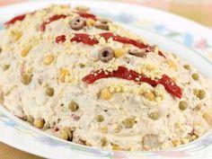ENSALADILLA RUSA.- En el año 1860 el chef Lucien Olivier, del restaurante Hermitage, inventó la ensaladilla rusa. Este restaurante, situado en Moscú, obtuvo fama gracias a esta receta, elaborada con ingredientes de alta calidad, pero que se perdió cuando cerró el local y no se conoce la receta original exacta.