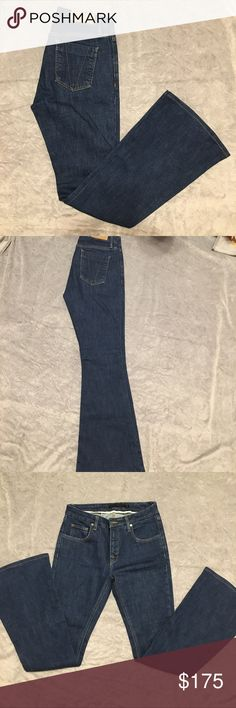 """Victoria Beckham Jeans Size 28. 95% cotton, 4% polyester, 1% lycra. Skinny jean with flared leg. In EC basically new with no stains or rips. Inseam is approximately 30 1/4"""". Victoria Beckham Jeans Flare & Wide Leg"""