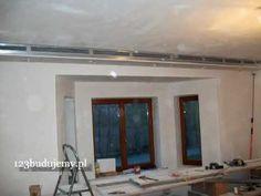 Drywall design Półka pod sufitem z płyt kartonowo-gipsowych z halogenami #drywall ideas #modernceilings #diy