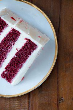 Bolo Red Velvet com Mousse de Mascarpone | Vídeos e Receitas de Sobremesas