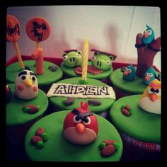 Aiden cupcakes inspired by Angry Birds! 4th Birthday, Birthday Party Themes, Angry Birds Cupcakes, Goodies, Cup Cakes, Inspiration, Superhero, Inspired, Food