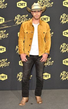 Dustin Lynch from CMT Music Awards Red Carpet Fashion Dustin Lynch, American Country Music Awards, Country Singers, Tight Jeans Men, Celebrity Boots, Hot Country Boys, Cmt Music Awards, Cowboy Up, Cowboy Boots