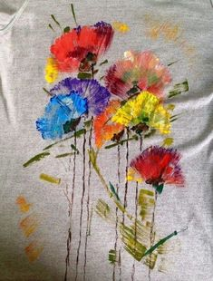 Painting Fabric Clothes Ideas Fabric Painting Tutorial: During this tutorial we'll tel T Shirt Painting, Fabric Painting, Fabric Art, Fabric Crafts, Paint Fabric, Dress Painting, Painted Jeans, Painted Clothes, Hand Painted Fabric