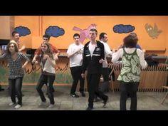 Taniec integracyjny uczestników Szkoły Animatora Salezjańskiego Oratorium PLN w Bydgoszczy. Family Guy, Guys, Youtube, Movies, Fictional Characters, Films, Cinema, Movie, Film