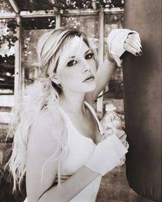 Katheryn Winnick (as Tessya Mores) - 12/17/77♐