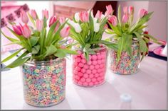 Celebrate mothers day with these Creative Table Centerpiece Decoration Ideas and table settings perfect for this occasion.