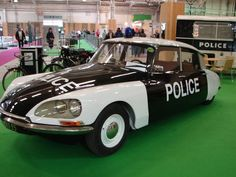 Citroën DS police car #citroends