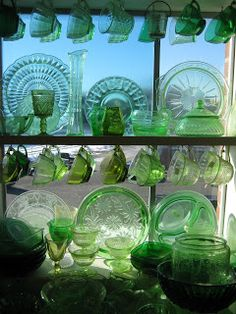 C. Dianne Zweig - Kitsch 'n Stuff: Displaying Your Depression Glass Cups With Window Shelves and Cup Hooks