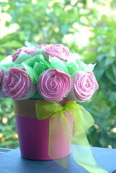 Maceta de cupcakes - Cupcakes de pera con buttercream de frambuesa