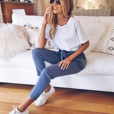 Cosy chic for the cooler months and rainy days ❄️ II The Sayeg Panelled Tee in White + Hudson Pants in Blue    SHOP NEW ARRIVALS--> www.muraboutique.com.au  #muraboutique #autumnvibes #fashion #comfy #style