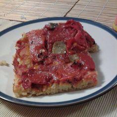 pizza in teglia al farro con peperoni arrostiti e porcini trifolati pizza with spelled flour with roasted peppers and porcini mushrooms