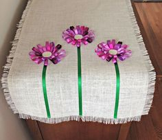 No Sew Loopy Ribbon Flower Burlap Tablerunner