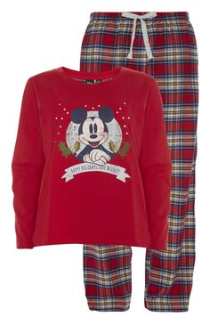 You can't go wrong with Mickey Mouse Christmas PJs! Cute Pajama Sets, Cute Pjs, Cute Pajamas, Pj Sets, Pajamas Women, Pajama Outfits, Disney Outfits, Lazy Day Outfits, Cute Outfits
