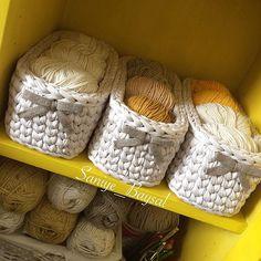 Bu sepetlerimi çok sevdim ☺️ . . . #örgüterapim #elemeği #göznurum #handmade #crochet #crochetlove #crochetaddict #penyeippoşetlik #örgüpoşetlik #penyeip #penyeipsepet #gelin #crochetbasket #crochetbag #knit #knitting #knitstagram #knitting_is_love #mutluluk #love #örgüpoşetlik #birlikteörelim #örelimgüzelleşelim #decor #decoration #decorative #tarz #mutlulukyakalanir
