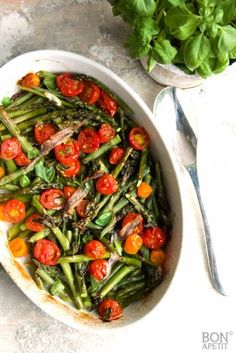 Vegetarian Recipes, Healthy Recipes, Asparagus Recipe, I Foods, Love Food, Green Beans, Spinach, Healthy Snacks, Food And Drink