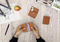 Small wallets line caramel - LOST & FOUND accessoires
