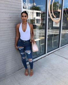 the very best casual outfit a fashionista should have in her closet at the moment Baddie Outfits Casual, Cute Swag Outfits, Chill Outfits, Dope Outfits, Trendy Outfits, Summer Outfits, Fashion Outfits, Basic Outfits, Simple Outfits
