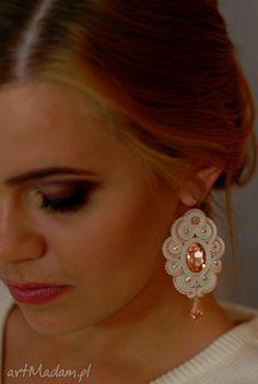 eleganckie ślub sutasz kolczyki ślubne soutache serene Tiara Ring, Earring Trends, Light Peach, Soutache Jewelry, Leather Jewelry, Shibori, Wedding Jewelry, Jewerly, Diamond Earrings
