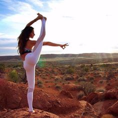 """""""Life is meant for spectacular adventures. Let your feet wander, your eyes marvel, and your soul ignite."""" - @slvcwriter. @alissayoga is featured in the Coast Legging & Verse Bra. #aloyoga #beagoddess"""