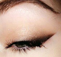 smokey cat eye liner