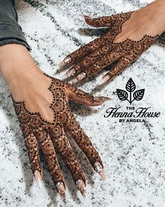 Pretty Henna Designs, Modern Henna Designs, Latest Henna Designs, Finger Henna Designs, Back Hand Mehndi Designs, Mehndi Design Photos, Mehndi Designs For Fingers, Henna Tattoo Designs, Mehndi Designs For Eid