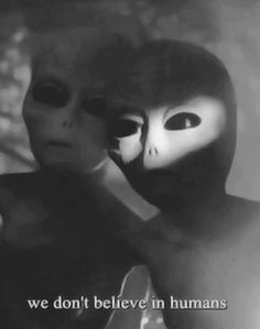 It's about aliens. ♡ Do you believe? Aliens And Ufos, Ancient Aliens, Flick Flack, Art Alien, Science Fiction, Grunge, Alien Aesthetic, Witch Aesthetic, Red Aesthetic