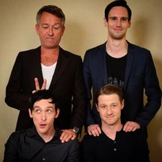 Selection of family #Gotham  dropping season 2 on your tellybox soon @mister_cms @mrbenmckenzie @robinlordtaylor GOTHAM / ゴッサム Ben McKenzie , Robin Lord Taylor , Sean Pertwee , Cory Michael Smith , ベン・マッケンジー , ロビン・ロード・テイラー , ショーン・パートウィー , コーリー・マイケル・スミス