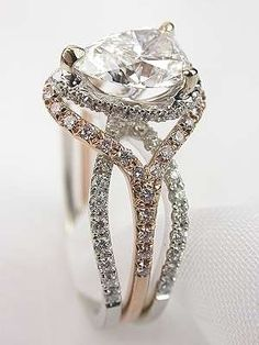 Beautiful mixed metals  #beautiful #engaged #engagementring