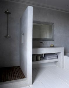 Polished concrete shower and bathroom vanity Bathroom Interior, Modern Bathroom, Small Bathroom, Bathroom Black, Bathroom Ideas, Bathrooms Decor, Bathroom Tubs, White Bathrooms, Luxury Bathrooms