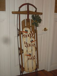 Old Sled turned into a cute Christmas decoration. You could paint anything on there! Found it on cncfurnishings-christinap.blogspot