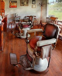 Old vintage barber chair! I am going to get one some day.